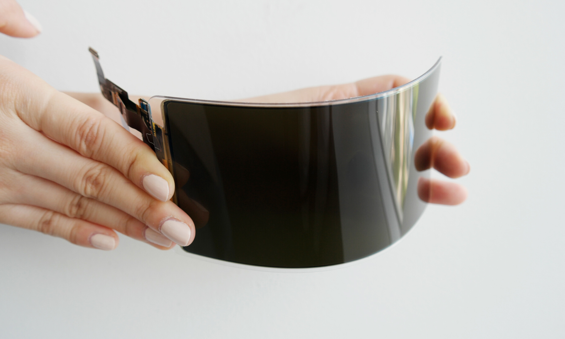 Newly-developed-Samsung-Unbreakable-OLED-display.jpg