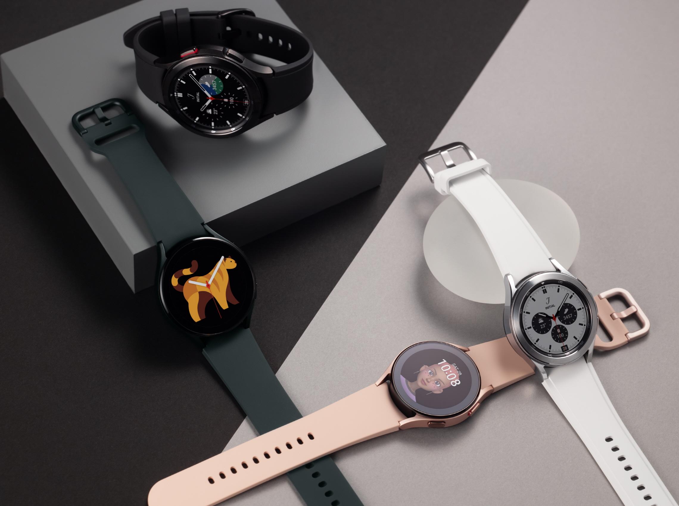 2._Galaxy_Watch4_Product_Series2.jpg